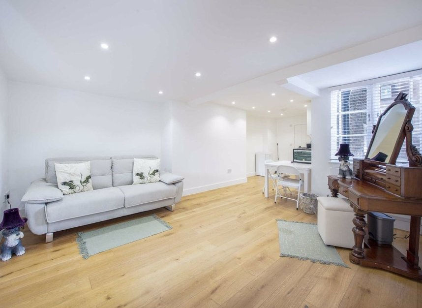 Properties for sale in Great Ormond Street - WC1N 3HZ view12