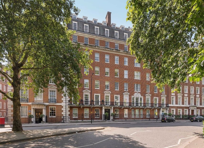 Properties for sale in Grosvenor Square - W1K 2HT view1