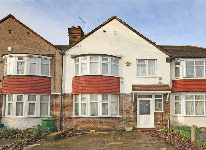 Properties for sale in Hall Road - TW7 7PA view1