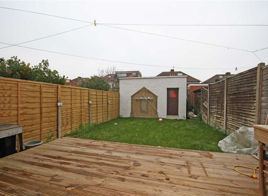 Properties for sale in Hall Road - TW7 7PA view7