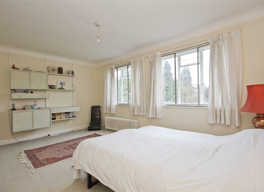 Properties for sale in Hanger Lane - W5 3DA view5