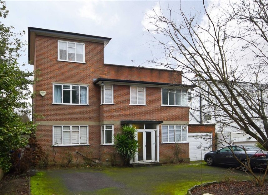 Properties for sale in Hanger Lane - W5 3DA view1