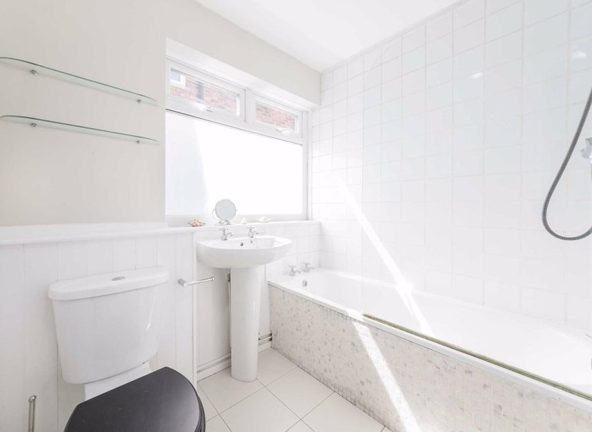Flat For Sale In Harley Road London Nw10 Dexters