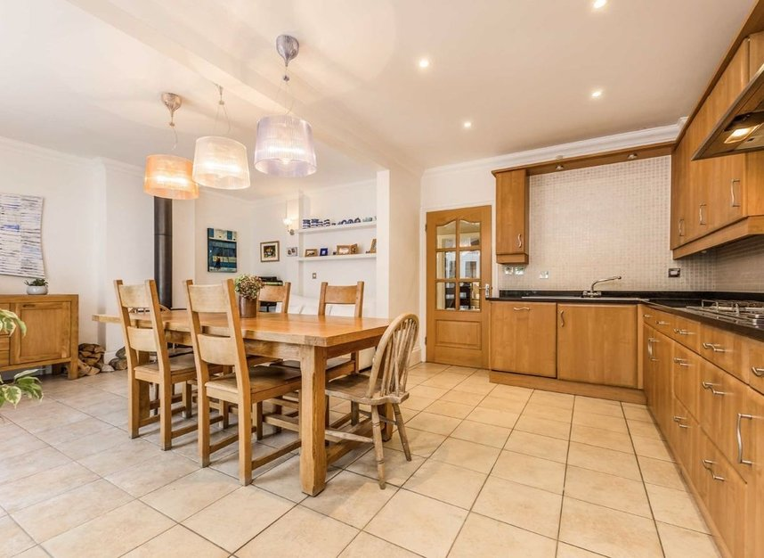 Properties for sale in High Street - TW12 2ST view3