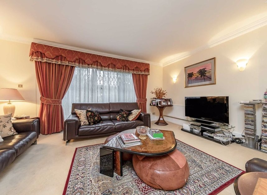 Properties for sale in Hilgrove Road - NW6 4TH view10