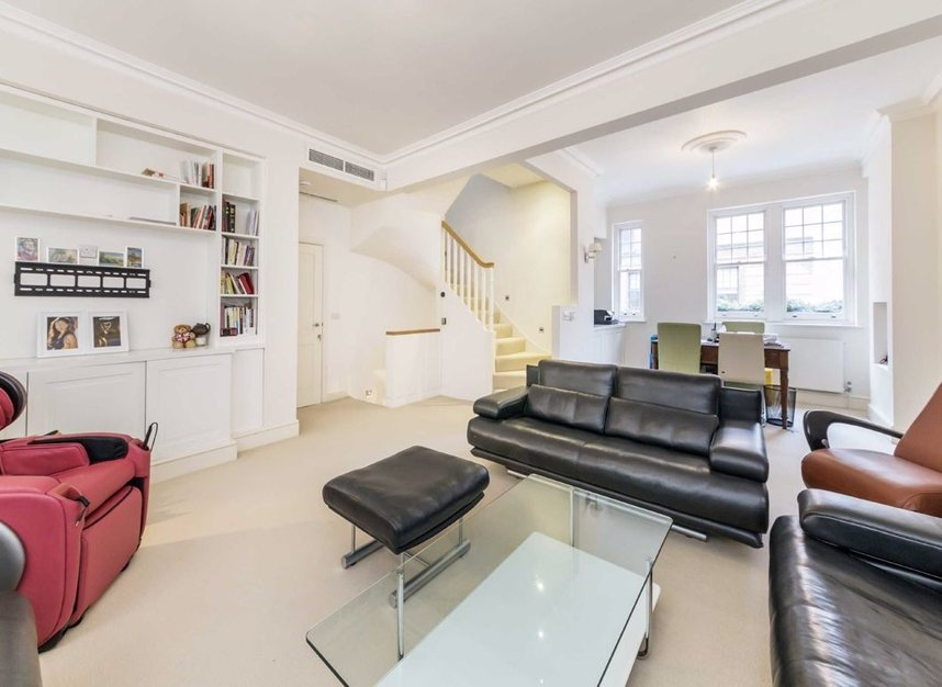 Properties for sale in Holbein Mews - SW1W 8NN view2