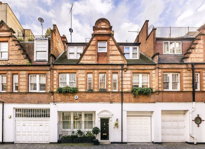 Properties for sale in Holbein Mews - SW1W 8NN view1
