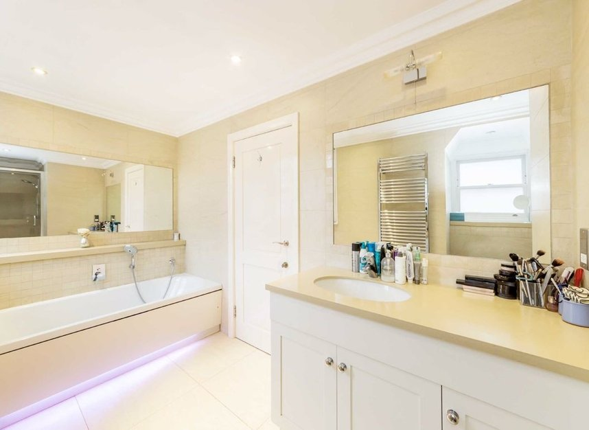 Properties for sale in Holbein Mews - SW1W 8NN view5