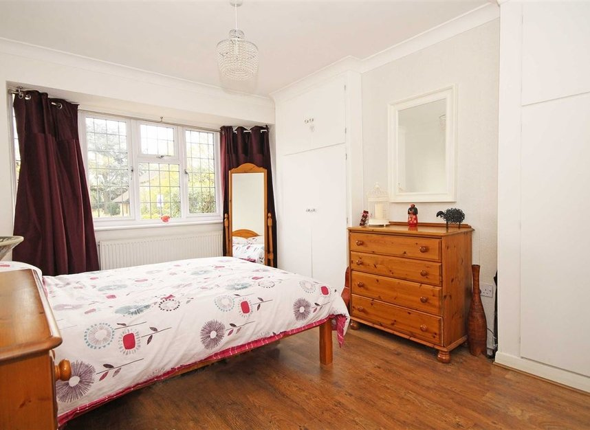 Properties for sale in Hospital Bridge Road - TW2 6DG view6