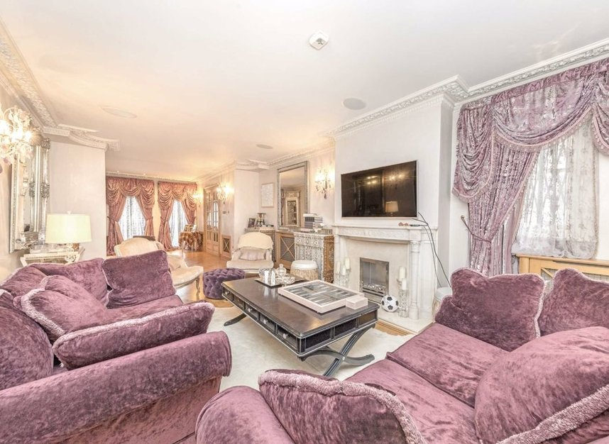 Properties for sale in Ingram Avenue - NW11 6TG view6