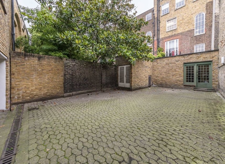 Properties for sale in John Street - WC1N 2BX view6