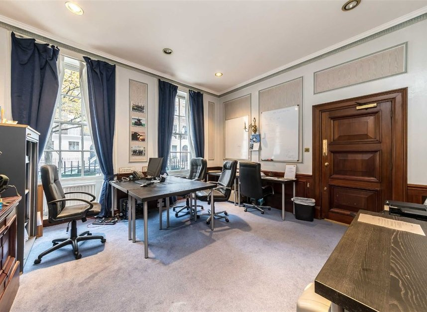 Properties for sale in John Street - WC1N 2BX view3
