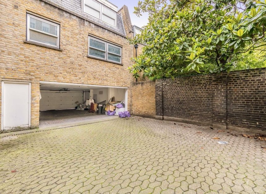 Properties for sale in John Street - WC1N 2BX view8