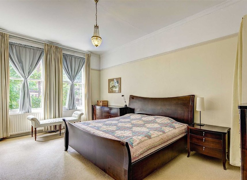 Properties for sale in Kensington Court - W8 5DT view4