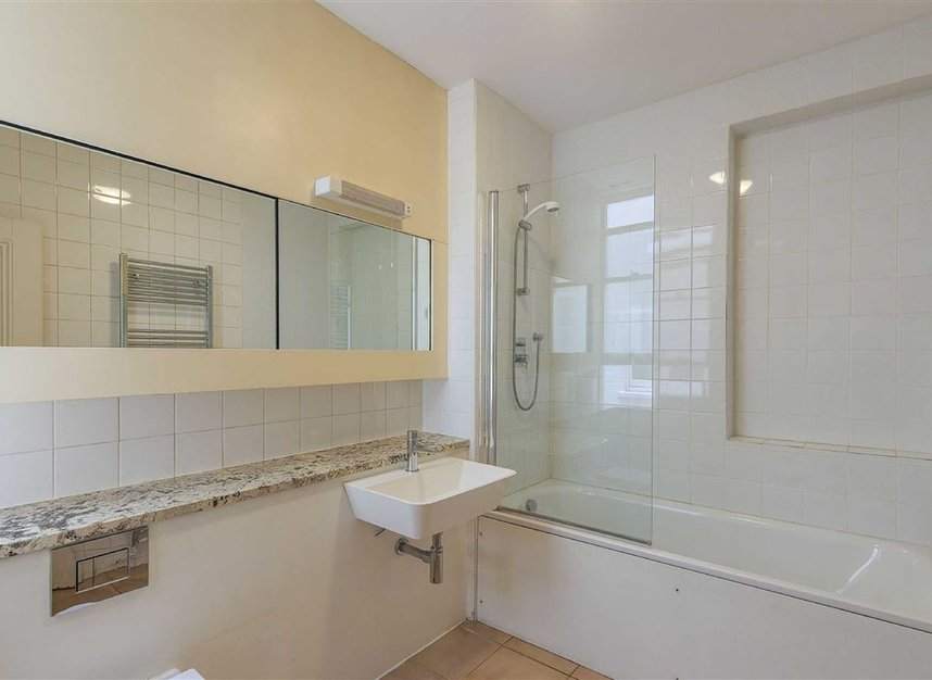 Properties for sale in Kensington Court - W8 5DT view7