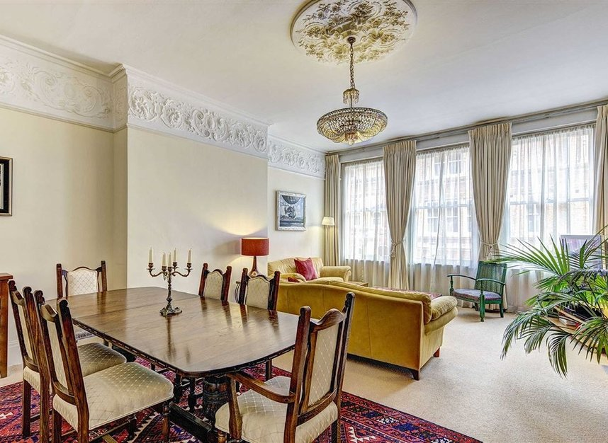 Properties for sale in Kensington Court - W8 5DT view2