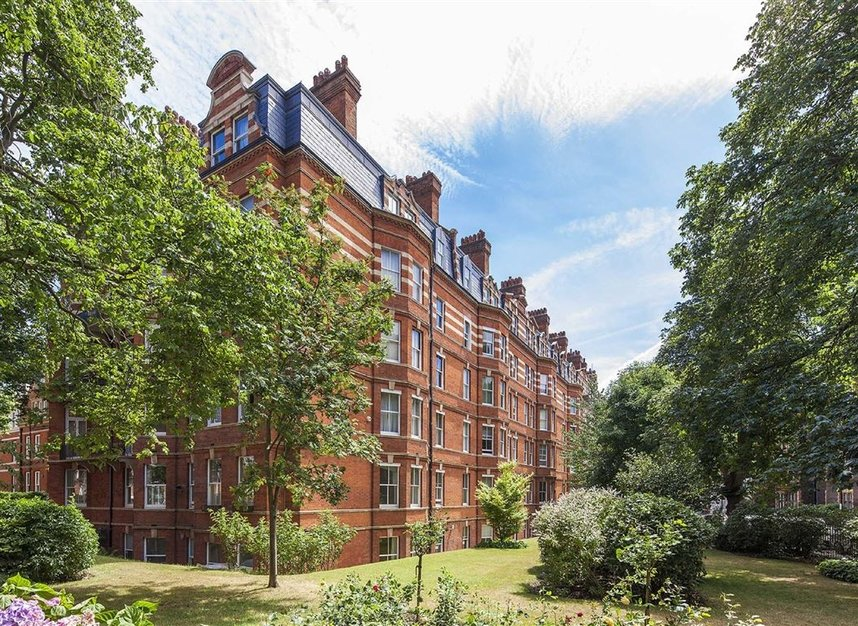 Properties for sale in Kensington Court - W8 5DT view9