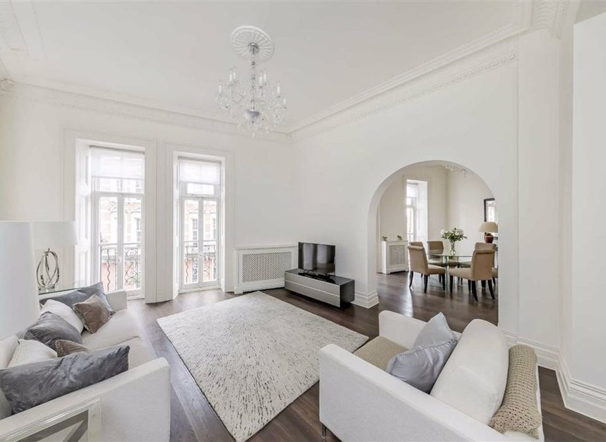 Properties for sale in Kensington Gore - SW7 2AW view2