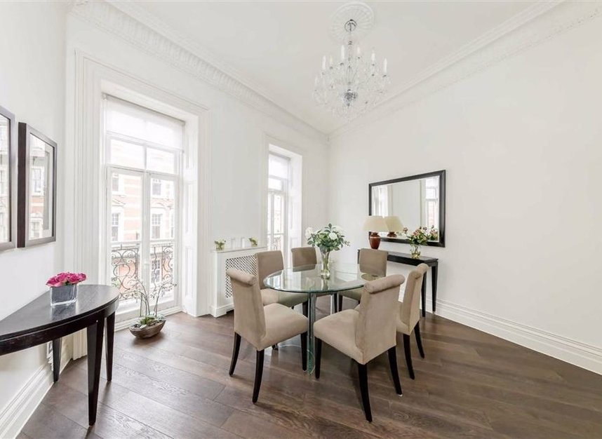 Properties for sale in Kensington Gore - SW7 2AW view3