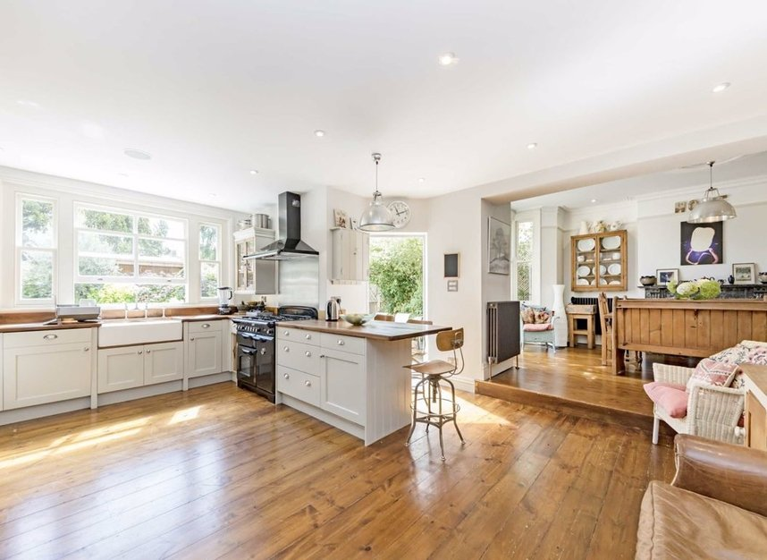 Properties for sale in Kent Road - KT8 9JZ view4