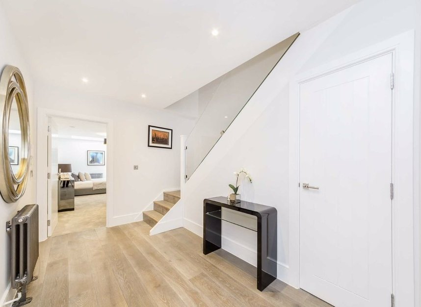 Properties for sale in King's Mews - WC1N 2HZ view4