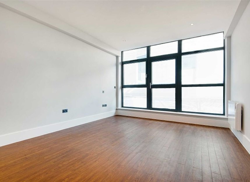 Properties for sale in Kingsland Road - E8 4DG view9