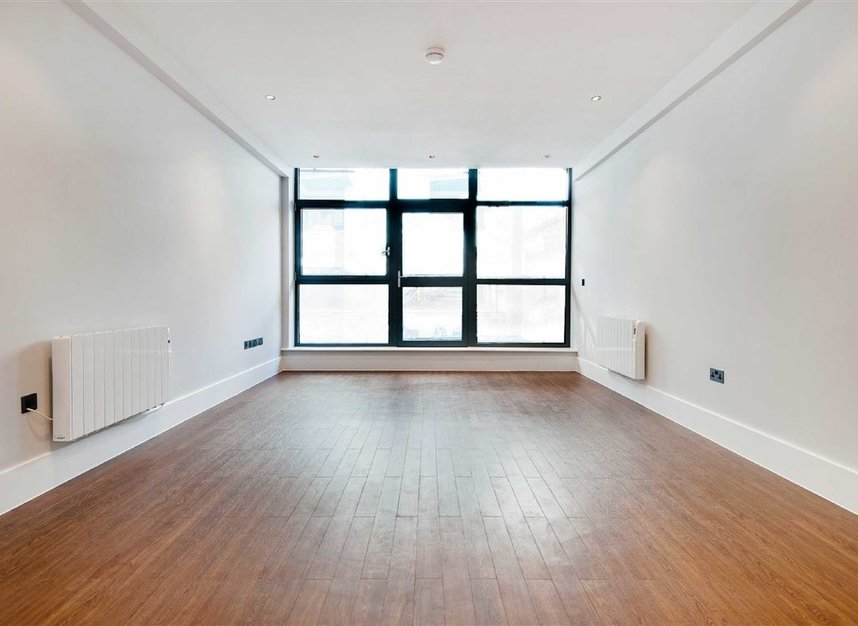 Properties for sale in Kingsland Road - E8 4DG view5