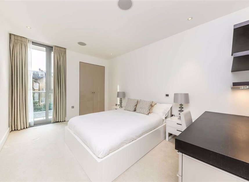 Properties for sale in Knightsbridge - SW7 1RH view5