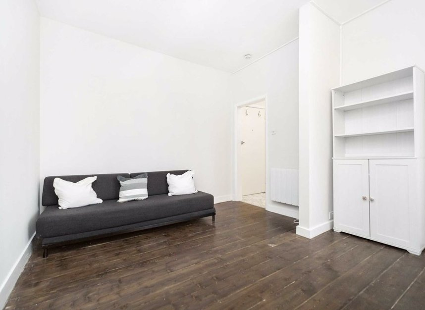 Properties for sale in Ladbroke Grove - W11 1PG view3