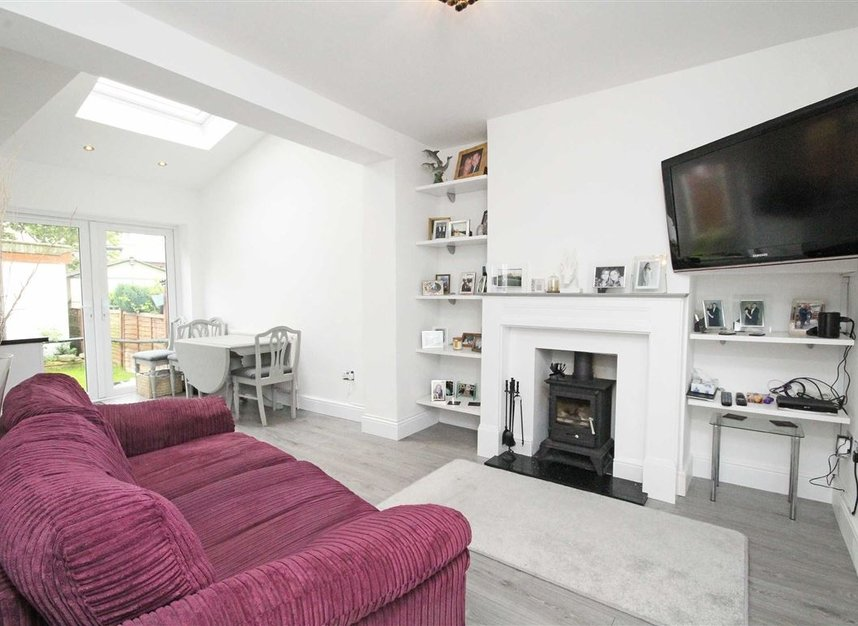 Properties sold in Lisbon Avenue - TW2 5HL view2