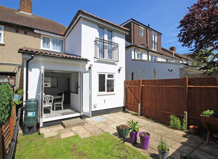 Properties sold in Lisbon Avenue - TW2 5HL view5