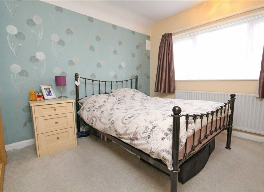 Properties sold in Lisbon Avenue - TW2 5HL view4