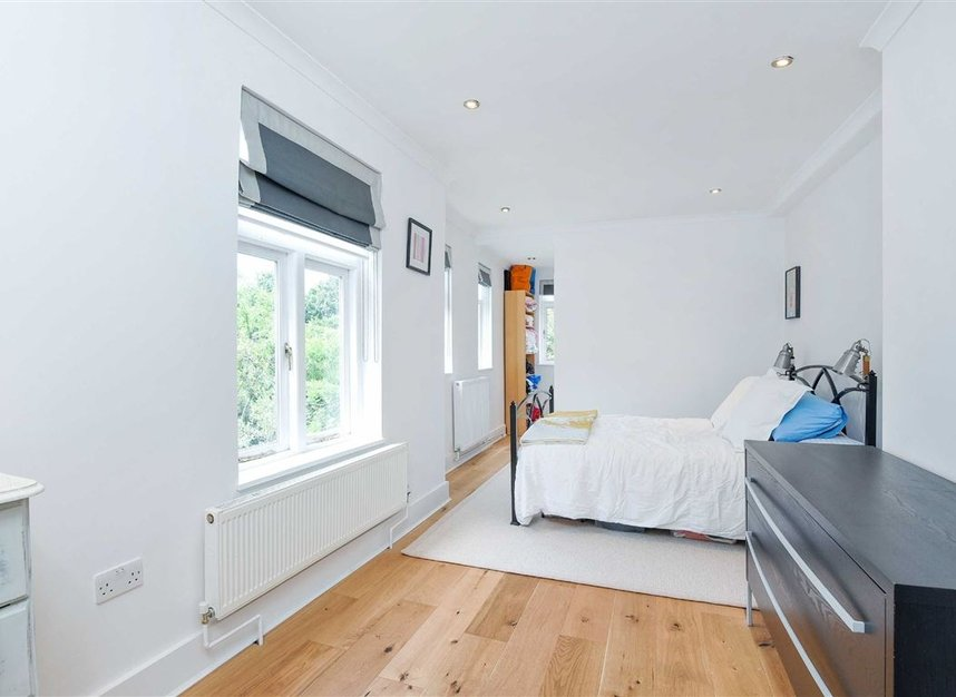 Properties sold in Lorn Road - SW9 0AD view4