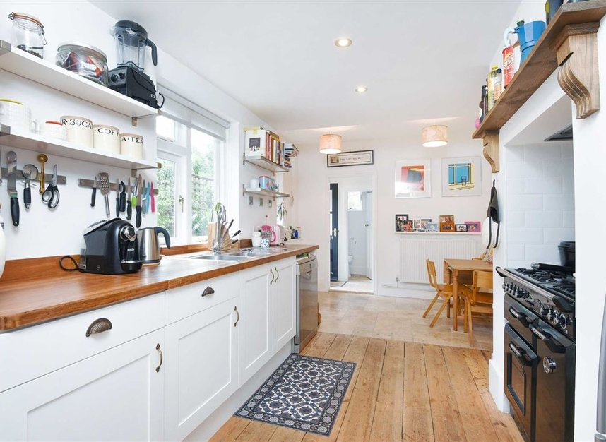 Properties sold in Lorn Road - SW9 0AD view3