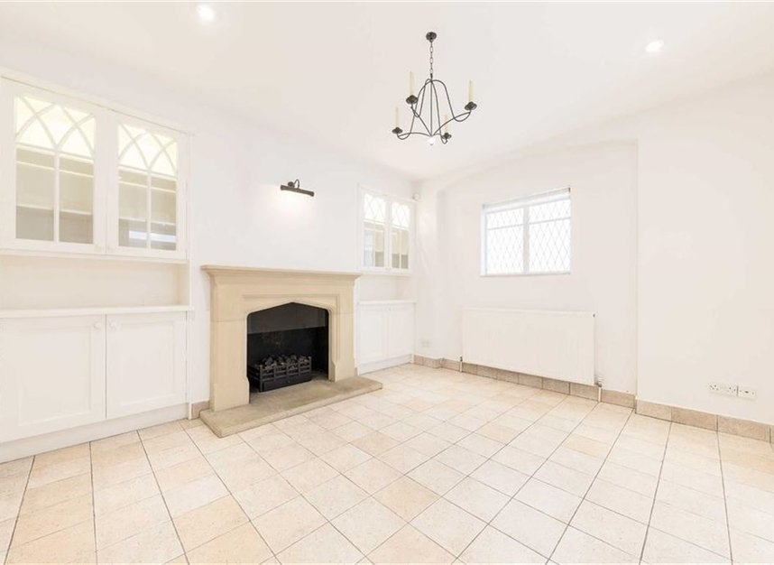 Properties for sale in Loudoun Road - NW8 0LT view5