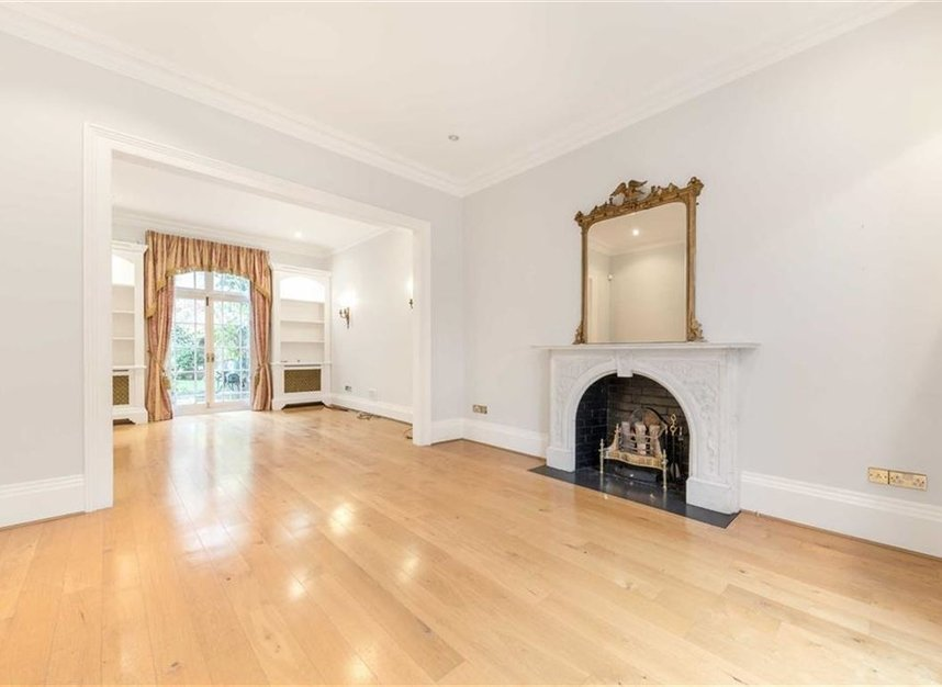 Properties for sale in Loudoun Road - NW8 0LT view2