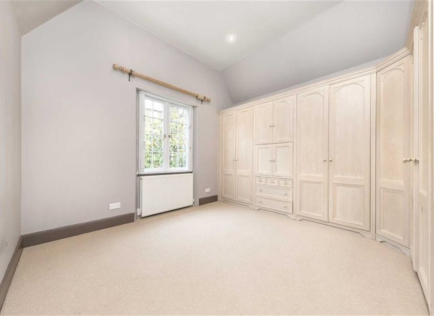 Properties for sale in Loudoun Road - NW8 0LT view8