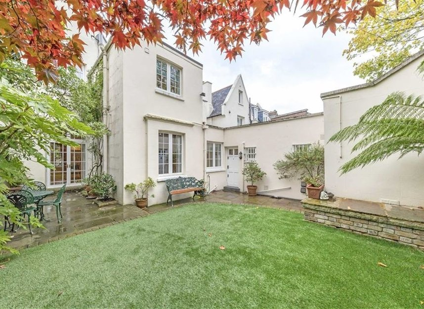 Properties for sale in Loudoun Road - NW8 0LT view9