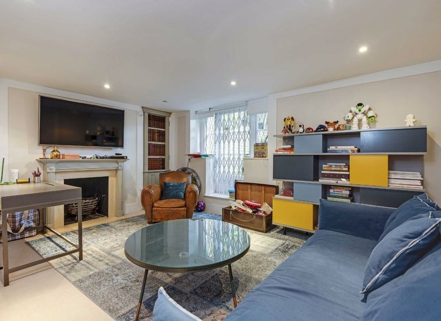 Properties for sale in Lower Terrace - NW3 6RG view5