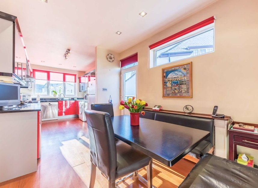 Properties for sale in Lynton Road - W3 9HW view4
