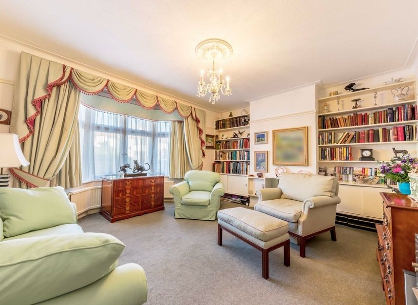 Properties for sale in Lynton Road - W3 9HW view2
