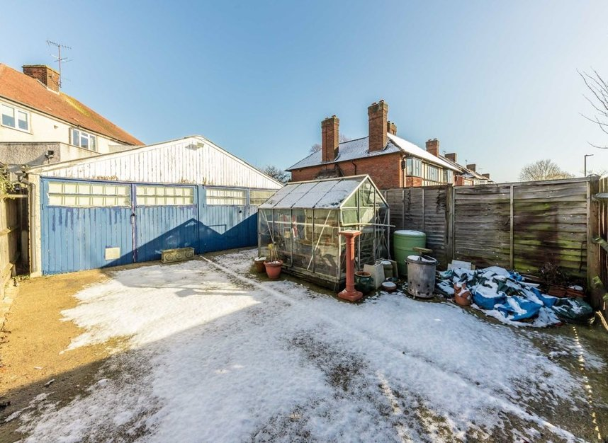 Properties for sale in Lynton Road - W3 9HW view8