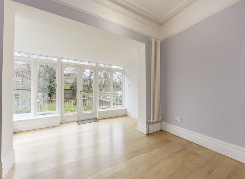 Properties for sale in Lynton Road - W3 9HH view5