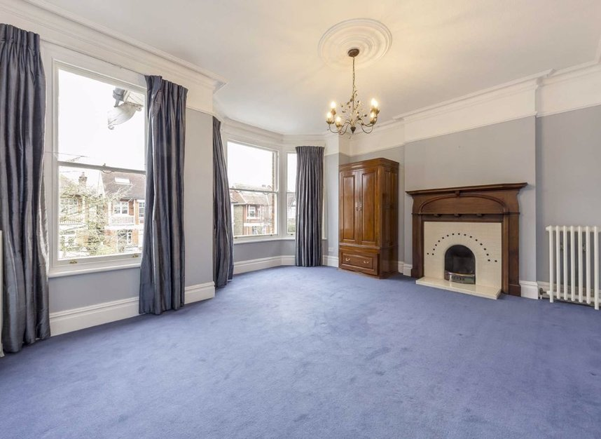 Properties for sale in Lynton Road - W3 9HH view7