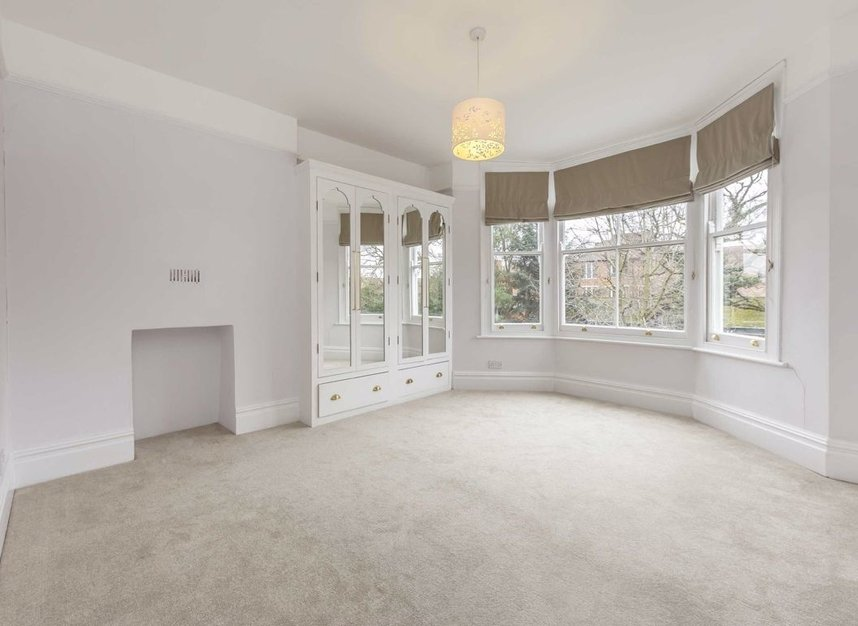Properties for sale in Lynton Road - W3 9HH view6
