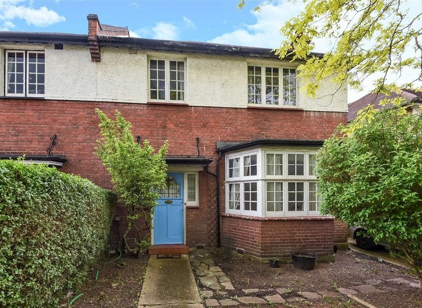 Properties for sale in Lynton Road - W3 9HP view1