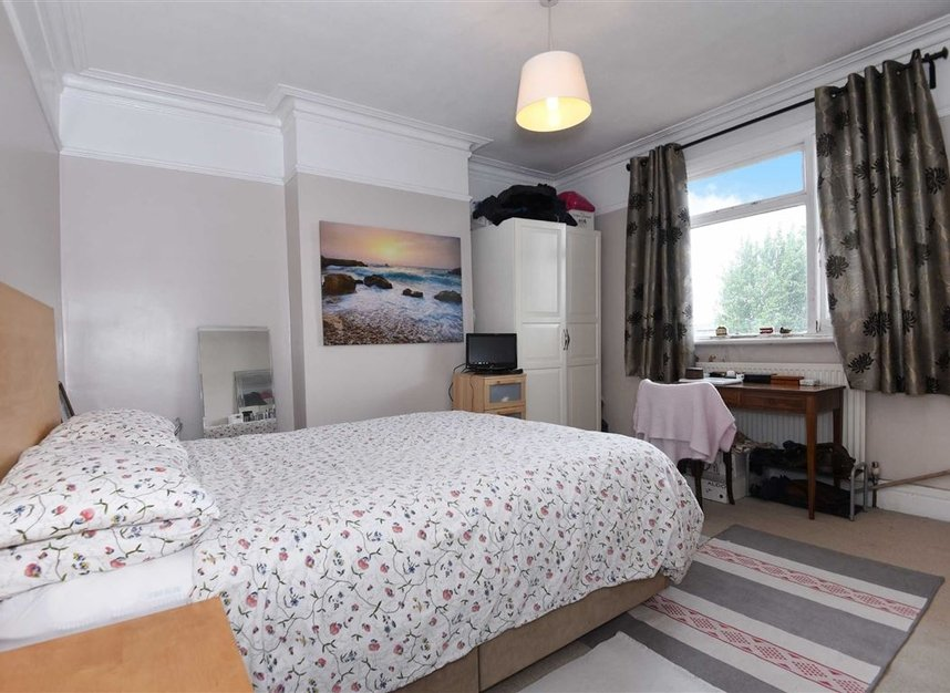 Properties for sale in Lynton Road - W3 9HP view6