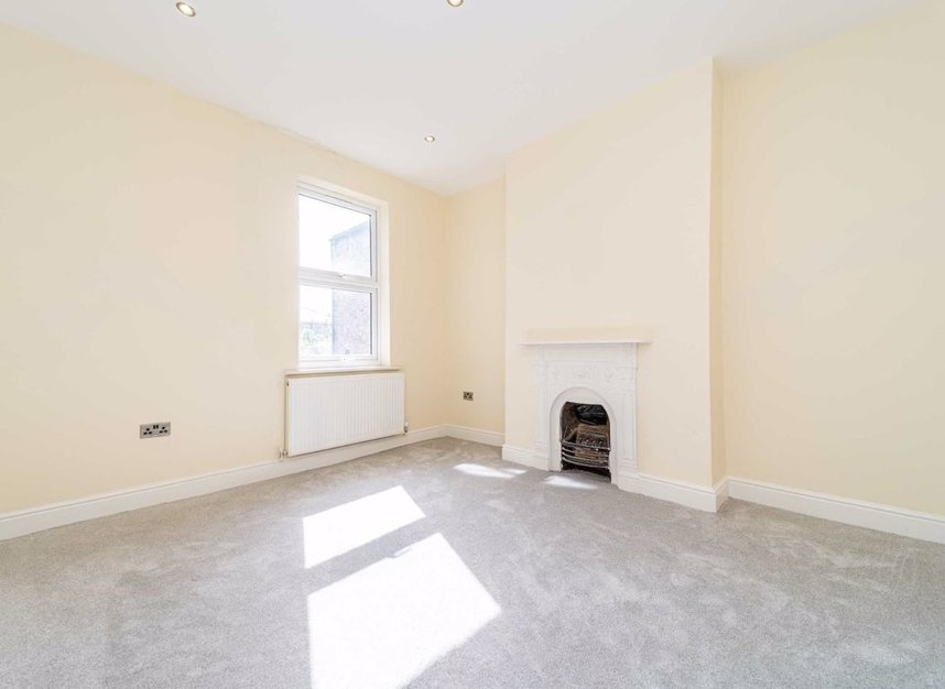 Properties for sale in Maldon Road - W3 6SZ view5