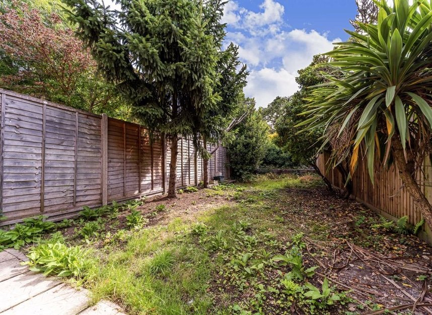 Properties for sale in Maldon Road - W3 6SZ view8
