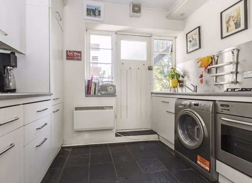 Properties for sale in Manfred Road - SW15 2RT view3